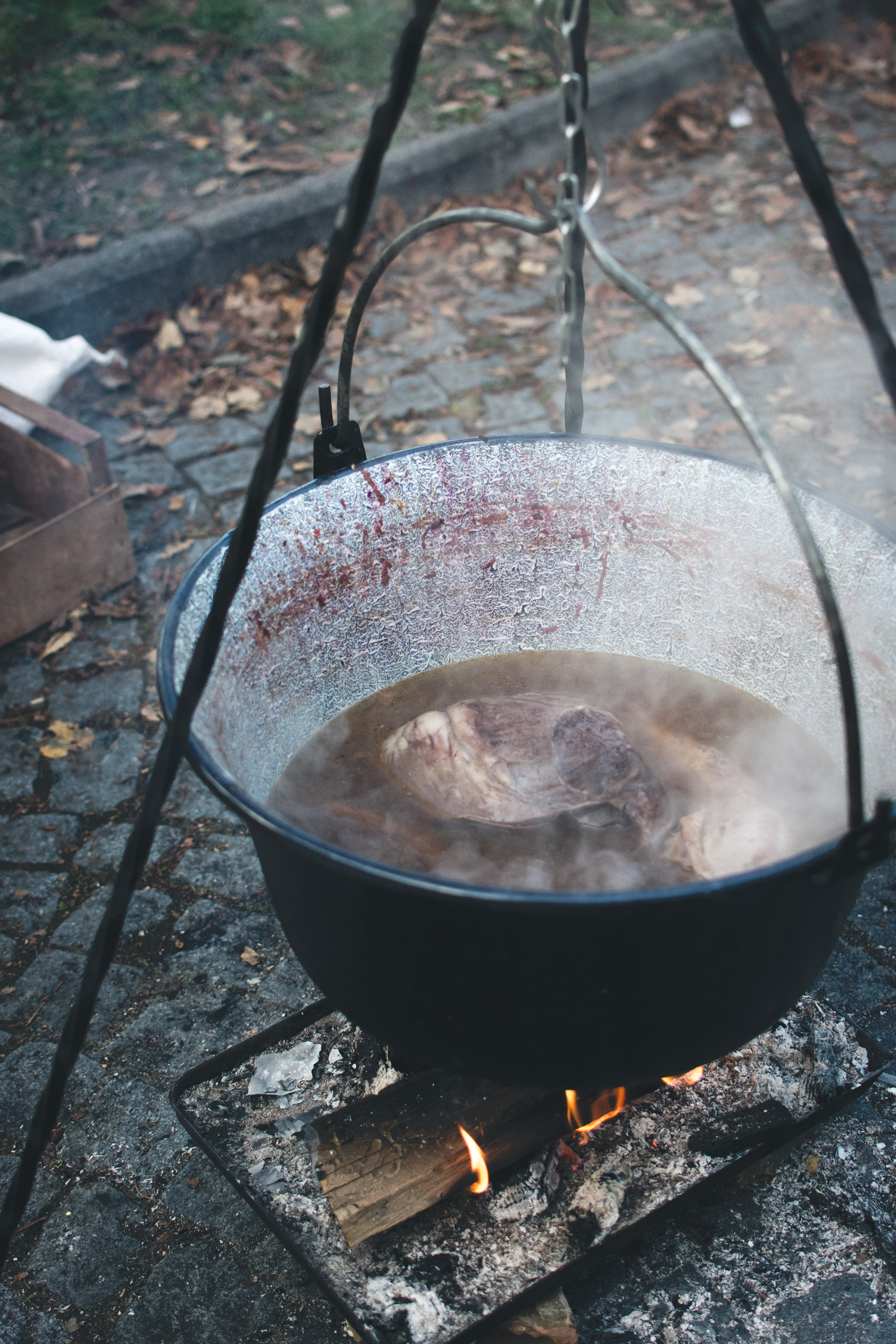 foodiesfeed.com_cooking-in-a-kettle